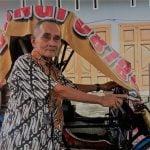 Azwar, 80, saat ditemui di seputaran Jalan Sei Bahorok Medan,