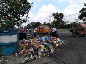 Kondisi sebelum sampah dibersihkan