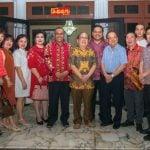 Plt Walikota Medan, Akhyar Nasution saat menghadiri open house Imlek di kediaman Indra Wahidin