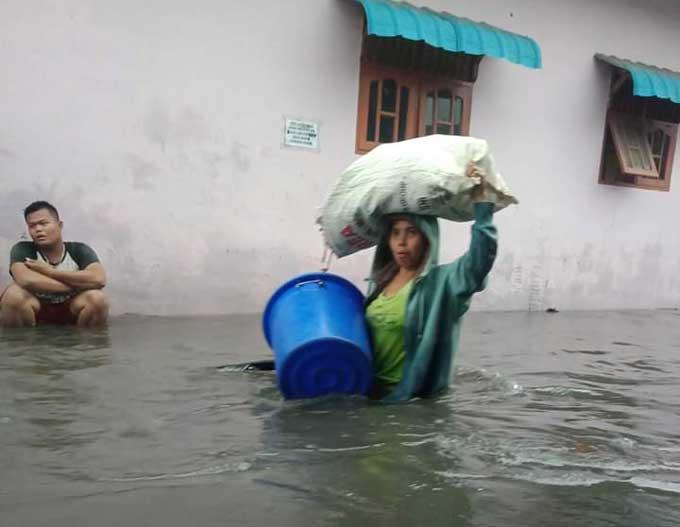 Sedikitnya ada empat kawasan terendam banjir akibat hujan deras yang mengguyur Kota Medan mulai Selasa (28/1/2020) malam sampai Rabu (29/1/2020).