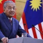 Usai Mundur, Mahathir Minta Maaf