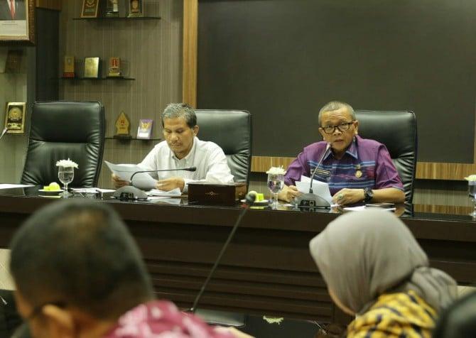 Ketua Ombudsman Perwakilan Sumut, Abyadi Siregar saat menggelar pertemuan dengan Pemko Medan di Ruang Rapat I Kantor Walikota Medan, Kamis (6/2/2020).