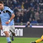 Lazio bersaing meraih scudetto.
