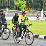 Gubernur Sumatera Utara, Edy Rahmayadi saat bersepeda melalui kegiatan Gowes Sumut Bermartabat (GSB).