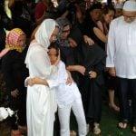 Ashraf Sinclair, dimakamkan di San Diego Hills, Karawang, Jawa Barat, pada Selasa (18/2/2020).