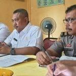 Kadis Kebersihan dan Pertamanan Kota Medan, Muhammad Husni saat rapat persiapan kegiatan bersama para Personel.