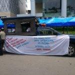 karyawan PD Pasar mendatangi lagi Bank Mandiri KCP Pulau Penang, Rabu (26/2/2020).