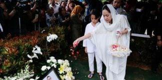 Penyanyi Bunga Citra Lestari ( BCL) kembali berziarah ke makam sang suami, Ashraf Sinclair, di San Diego Hills, Karawang, Jawa Barat, Rabu (19/2/2020).