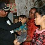 Plt Walikota Medan, Akhyar Nasution menjenguk Alfred Tegar Manurung, bocah berusia dua tahun delapan bulan penderita stunting.