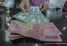 Gawat, Rupiah Menuju 16.000 per Dolar AS