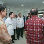 Gubernur Sumatera Utara, Edy Rahmayadi didampingi Plt Walikota Medan, Akhyar Nasution Meninjau Rumah Sakit Umum Sari Mutiara.