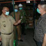 Plt Wali Kota Medan, Akhyar Nasution bersama unsur Forkopimda meninjau 3 perusahaan penyedia bahan , Senin (23/3/2020).