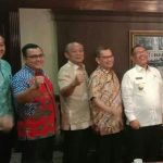 Pemenang Indonesian Idol 2020, Lyodra Ginting menyambangi Kantor Walikota Medan disambut Plt Walikota Medan, Akhyar Nasution dan pejabat Pemko Medan.