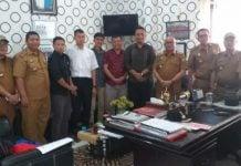 Camat Medan Deli, Fery Suhery saat menerima audiensi 5 anggota PPK Medan Deli di Kantor Kecamatan Medan Deli di Kantor Camat Medan Deli, Senin (2/3/2020).
