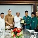 Gubernur Sumatera Utara H Edy Rahmayadi saat menerima silaturahmi Pengurus Wilayah GPA Sumatera Utara sekaligus Panitia Pelaksana Tabligh Akbar Ustadz Abdul Somad.