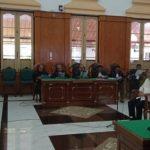 Dzulmi Eldin saat menjalani sidang di PN Medan, Kamis (12/3/2020).