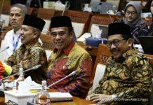 Menteri Agama Fachrul Razi menyampaikan beberapa skenario penyelenggaraan ibadah haji di tengah pandemi virus corona saat rapat kerja dengan DPR.