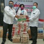 Bantuan ini disalurkan Tim Gugus Tugas Percepatan Covid-19 Kota Medan melalui bagian logistik di Gedung Serba Guna Dharma Wanita, Jalan Rotan, Kecamatan Medan Petisah