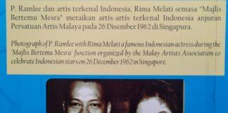 P Ramlee (kiri) bersama artis senior Indonesia, Rima Melati dalam sebuah event jaman dulu. Foto diambil dari dinding kenangan di Museum P Ramlee, Penang, Malaysia, beberapa waktu lalu. (kaldera/rozi)