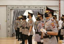 Kombes Pol Riko Sunarko menggantikan Kombes Pol Jhonny Eddizon isir yang diangkat menjadi Kapolrestabes Surabaya. Sertijab dilakukan di Aula Tribrata Mapolda Sumut, Senin (18/05/2020).