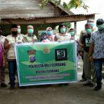 Pemberian sembako oleh Komunitas Sedekah Jumat (KSJ) Deli Serdang bersama Polres Deli Serdang.