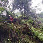 Kegiatan pembersihan sungai melibatkan warga Dusun Pargompulan Desa Pohon Tonga.