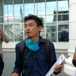 Peneliti SAHdaR, Surya Dermawan Nasution, di depan Kantor Gubernur Sumut, Rabu (29/7/2020).