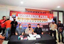 Kapolrestabes Medan Kombes Pol Riko Sunarko didampingi Kasat Reskrim Kompol Martuasah Tobing