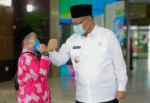 Plt Walikota Medan, Akhyar Nasution saat melepas kafilah Kota Medan di Balai Kota Medan, Jumat (4/9/2020).