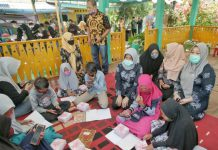 Plt Ketua TP PKK Medan, Nurul Khairani resmikan wifi gratis Rumah Baba Sharaswaty.