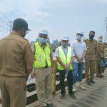 Plt Walikota Medan, Akhyar Nasution saat meninjau jembatan Sicanang beberapa waktu lalu.