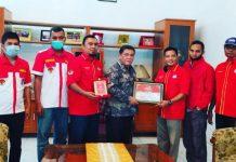 Piagam penghargaan diberikan kepada Wakil Bupati Deli Serdang, M Ali Yusuf Siregar oleh Bakorda Fokusmaker Sumut.
