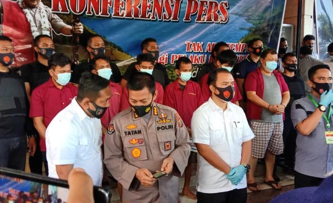 Direktur Reserse Kriminal Umum (Direskrimum) Polda Sumut, Kombes Irwan Anwar saat konferensi pers terkait kasus pembunuhan Mr X bernama Jefri Wijaya (39), Rabu (23/9/2020).