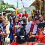 Kadisbudpar Sumut (dua dari kiri) dan Bupati Samosir meresmikan wisata Bagot di Lumban Sitanggang. (ist/kaldera)