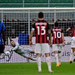 AC Milan dan Inter Milan masih menguasai klasemen sementara. AC Milan mengatasi Benevento 0-2. Sementara Inter menang 6-2 atas Crotone.(ist)