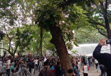 Aksi Tolak UU Ciptaker Berujung Ricuh, Sejumlah Massa Diamankan