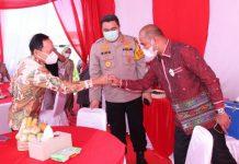 Pjs Walikota Medan Arief Trinugroho (kiri), Kapolrestabes Medan Kombes Pol Riko Sunarko (tengah) dan Kajari Medan Teuku Rahmatsyah, SH, MH (kanan) dalam sebuah kesempatan beberapa waktu lalu. Pjs Walikota berharap bantuan sertifikat tanah dari pemerintah untuk warga dimanfaatkan dengan baik.