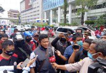 Ketua DPW FSPMI Sumut, Willy Agus Sutomo saat di wawancara.