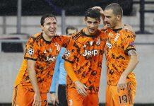 Pemain Juventus merayakan kemenangan Ferencvaros di Puskas Arena, Kamis dinihari (5/11/2020).
