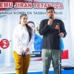 Bobby Nasution dan Kahiyang Ayu pada acara temu jiran di Lapangan Basket Komplek Tasbih.