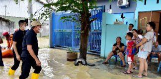 Gubernur Sumatera Utara (Sumut) Edy Rahmayadi langsung turun ke lapangan meninjau banjir Kota Tebing Tinggi, Sabtu (28/11).