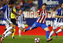 Atletico Madrid mengalahkan Alaves 1-2, tadi malam. Dengan hasil itu membuat klub besutan Diego Simeone itu kokoh di puncak klasemen awal 2021.(ist)