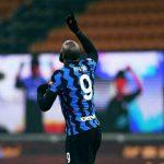 Inter Milan rebut puncak klasemen dari AC Milan setelah memetik kemenangan telak 3-1 atas Lazio