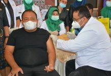 Bupati Langkat, Terbit Rencana PA melaksanakan vaksinasi pertama di Jentera Malay Rumdis Bupati Pangkat, Stabat, Kamis (18/3/2021).