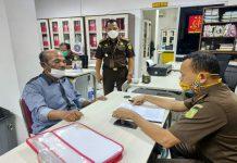 Eks Kepala Desa Partungko Naginjang, Kecamatan Harian, Kabupaten Samosir inisial BPP ditahan oleh penyidik pidana Khusus Kejaksaan Tinggi Sumatera Utara (Sumut).