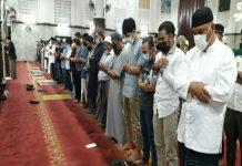 Pemerintah telah mengizinkan shalat tarawih dan shalat Id dilakukan secara berjamaah pada Ramadhan 1442 Hijriyah.