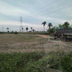 Puluhan truk mengangkut tanah terlihat hilir mudik di Jalan Rambutan, Desa Bangun Rejo, Tanjung Morawa, Deliserdang, Sabtu (17/4/2021).