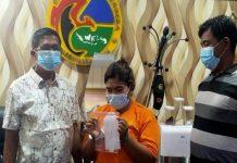Seorang Ibu Rumah Tangga (IRT) berinisial RS, 29, warga Kelurahan Pulo Brayan Kota, Kecamatan Medan Barat, ditangkap tim Sat Res Narkoba Polrestabes Medan karena menjadi pengedar sabu.