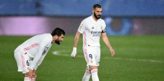 Pertandingan Real Madrid vs Chelsea di leg pertama semifinal Liga Champions berakhir imbang dengan skor 1-1.