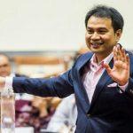 Penyidik Komisi Pemberantasan Korupsi (KPK) menyambangi gedung DPR, Rabu (28/4/2021) petang. Kedatangan mereka diketahui untuk melakukan penggeledahan di ruangan Wakil Ketua DPR Aziz Syamsuddin.